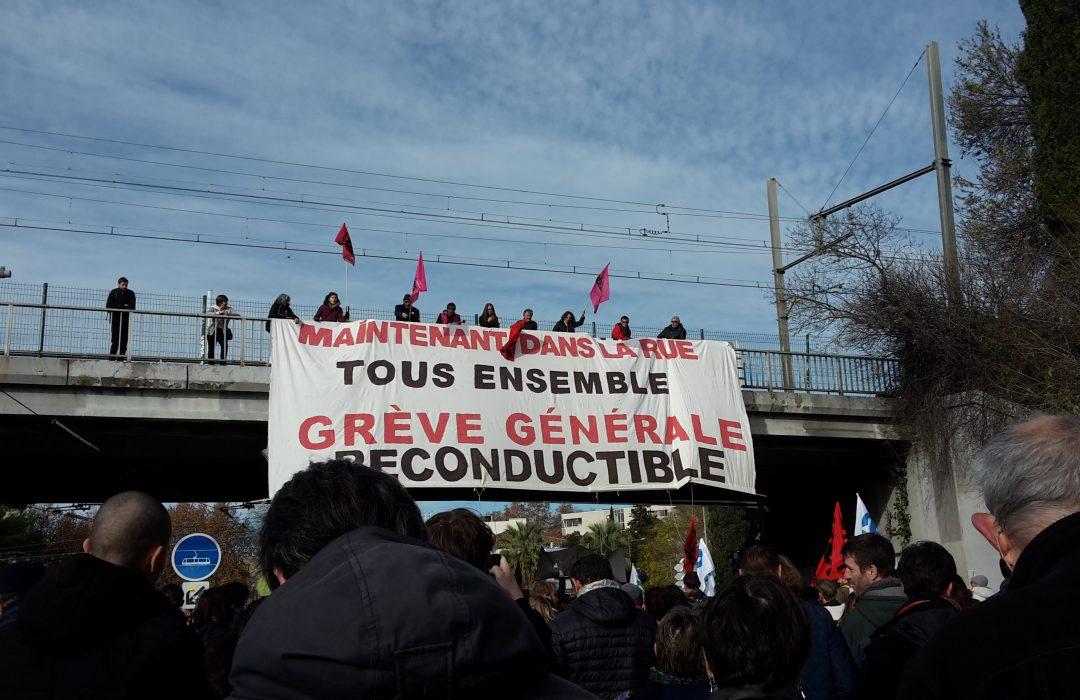 Décembre 2019 | Le gouvernement propose, la rue s'oppose