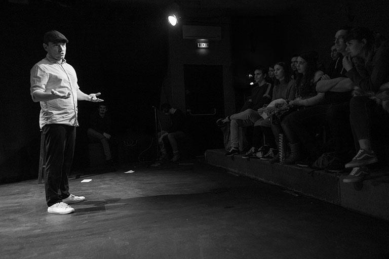L'histoire de Figuerolles : clameurs au théâtre de la plume
